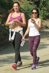 kelly-brook-in-leggings-and-sports-bra-out-in-west-hollywood_3 (antoniusbudyono11) Tags: sunglasses purpleleggings waterbottle exclusive kellybrook sun exercise fashion style hiking fitness workout casual blackleggings slimmer stomach belly navel sweater ponytail brunette whitetanktop skinnier pinksportsbra westhollywood ca usa