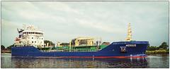 170806-1 (sz227) Tags: tanker mergus nordostseekanal kielcanal breiholz fährebreiholz schiff ship sz227 zackl sony sonyilca77m2