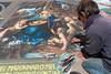 Il Madonnaro 04 (Promix The One) Tags: loretoan marche pittura gessetti artista colori sfumature pennelli pietã spugna attrezzi raffigurazione piazza grafica madonnaro mano lavoro canoneos1dsmarkii canonef1635f4lisusm pietà