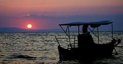 magic moments (maria xenou) Tags: sunset moments ioniansea ionischesmeer fischerboot fishingboat sun sunlight sea sky meer himmel canoneos1100d peaceful simple einfachheit wasser water ηλιοβασιλεμα ηλιοσ φωσηλιου ψαροκαικο ψαροβαρκα στιγμεσ θαλασσα ουρανοσ νερο momente greece griechenland ελλαδα