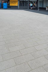Limbrichterveld-6623-0715 (EbemaNV) Tags: winkelcentrum limbrichterveld sittard rockstone megategel diamond naturock blue steel black 2015 dempseystraat 38 6135 ch 60x30