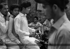 People And The City (Amna Yaseen) Tags: city metropolis independenceday people publicholiday 2017 lahore pakistan blackandwhite documentaryphotography