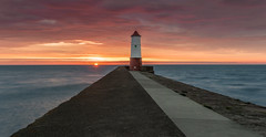 Border Lighthouse (Glenn D Reay) Tags: berwickupontweed lighthouse sunrise dawn sun seascape pier sea northsea daybreak pentaxart pentax k30 sigma1770hsm glennreay