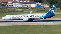 MSP N248AK (Moments In Flight) Tags: msp kmsp mspairport aviation airliner airplane boeing 737 celebrationofboeing boeing100yearsstrong livery alaskaairlines n248ak b739 737900er