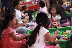 Night life & kids - Kaohsiung (Chapo78) Tags: kaohsiung taiwan kids night market life street play innocence