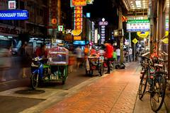 Chinatown (holzer_r) Tags: thailand bangkok chinatown langzeitbelichtung bicycle streetfood street strasenfotografie