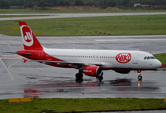 Air Berlin A320-214 D-ABHH. 08/09/17. (Cameron Gaines) Tags: cn2902firstflewattoulouseblagnaconthe26thofseptember2006asfwwdhbeforebeingdeliveredtonikiasoeleuonthe26thofoctober2006theaircraftwasnamedhiphopondeliveryuntilmid2012originallyleasedfromgecas theaircraftwassoldtodaecapitalinoctober2008onthe10thofjanuary2017theaircraftwastransferredtoairberlinandregistereddabhhairberlinhaveinturnhavetransferredanumberofa321stoniki air berlin airbus a320214 dabhh exiting runway dusseldorf after arriving another domestic service entered liquidation proceedings 15th august 2017 was given 150m euro loan continue operating whilst business is wound down on september finals bids due be placed for companies wishing buy parts company i wish employees very best luck oeleu fwwdh dus eddf