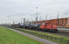 DBC 6426 Waalhaven Rotterdam (Peter Boot) Tags: nederland havenspoorlijn waalhaven rotterdam goederenvervoer dbc 6426 dieselloc trein ketelwagens geslotenwagens goederentrein cargo