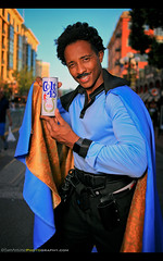 It Works Every Time! San Diego Comic Con 2017 (Sam Antonio Photography) Tags: landocalrissian empirestrikesback starwars billydeewilliams sandiegocomiccon character cosplay costume beer funny cape samantoniophotography colt45 return jedi colt sdcc2017 male cosplayer workseverytime comiccon