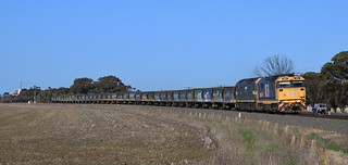 8159 and G523 power out of Horsham on an empty grain bound for Dimboola