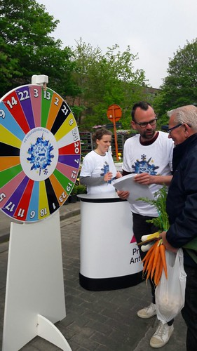 Wheel of Fortune at the Sunday Market in Herentals 02