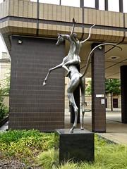 Sheffield (Glass Angel) Tags: sheffieldsouthyorkshire horseandrider davidwynne stainlesssteel statue fountainprecinct barkerspool