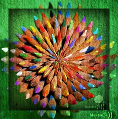 Vuelta al cole...colores y vida (☮ Montse;-))) Tags: colores lápices cole texturas arcoiris educación vida school escuela colegio