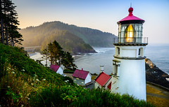 Good morning From Heceta Light house (Eve Photography By JC Clemens) Tags: heceta lighthouse oregon ocean sunrise coast lightroom red roof bay fog mist nikon tamron 2470 d610 head park national state