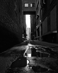 Alley (TwinCitiesSeen) Tags: minneapolis minnesota twincities twincitiesseen blackandwhite people canon6d tamron2875mm alley