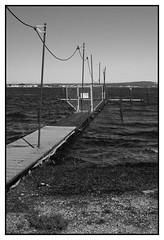 Câble et ponton (DavidB1977) Tags: france languedocroussillon hérault nikon d610 sète plagette monochrome bw nb