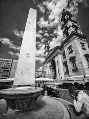 Fountains (un2112) Tags: laowa75 budapest basilica temple church ststephansbasilica human tourists summer august gx80 blackandwhite monochrome bw streetphotography worldcitycenters