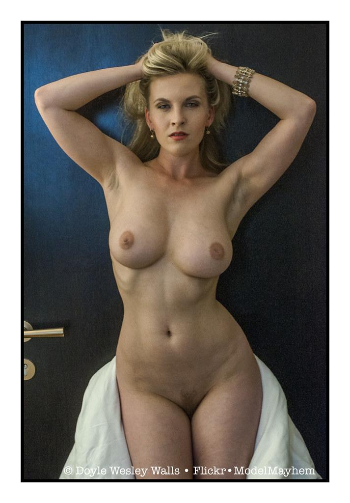 seksikäs blondi prague escort cz