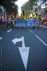 _DSC9390 (Toni M. Micó) Tags: fotoespai barcelona fossar fossardelesmoreres fossarmoreres flandes südtirol vlaanderen bandera flag pancarta banner catalunya independència