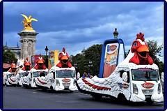 Tour de France 2017 - A celebration of colors (1) (Ioan BACIVAROV Photography) Tags: tourdefrance 2017 winner paris france crowd people arrival sky sport cyclisme tourdefrance2017 color colorful caravan show humor bird hen