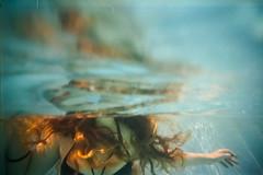 (ニノ Nino) Tags: 35mm film analog analogue ii iii stylus epic 35 28mm 45 epson v550 girl water underwater kodak sport 800 pro image 100 emptiness ambient