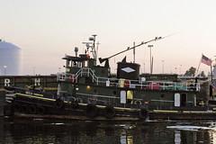 r_170817181_beat0049_a (Mitch Waxman) Tags: dukbo nationalgrid newyorkcity newtowncreek thornton tugboat turningbasin newyork