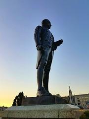 Captain James Cook (walneylad) Tags: captainjamescook jamescook statue sculpture publicart victoria britishcolumbia canada innerharbour downtown summer evening august sunset sundown
