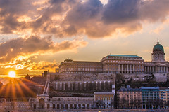 Sunset in the city (Vagelis Pikoulas) Tags: sun sunset sunburst budapest buda hungary europe travel photography city cityscape landscape castle sky clouds cloudy colours canon 6d tamron 70200mm