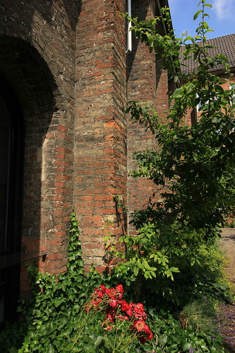 "Kieler Kloster (18) • <a style=""font-size:0.8em;"" href=""http://www.flickr.com/photos/69570948@N04/36346046785/"" target=""_blank"">View on Flickr</a>"