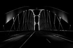 Osthafenbrücke Frankfurt (Günther Bayerle) Tags: brücke night bridge blackandwhite nachtaufnahme