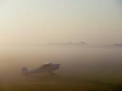 (Janine en Ron) Tags: texel airport 2012 casa jungmann fog mist ochtend
