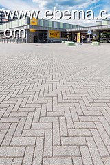 Limbrichterveld-6611-0715 (EbemaNV) Tags: winkelcentrum limbrichterveld sittard rockstone megategel diamond naturock blue steel black 2015 dempseystraat 38 6135 ch 60x30