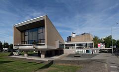 Stadsschouwburg Nijmegen (Grotevriendelijkereus) Tags: building architecture architectuur gebouw nederland netherlands holland schouwburg theater brutalism brutalisme nijmegen gelderland
