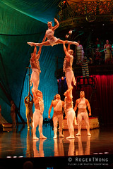 20170804-210-Kooza by Cirque du Soleil - Catapult (Roger T Wong) Tags: 2017 asia cirquedusoleil kooza rogertwong sel70300g singapore sony70300 sonya7ii sonyalpha7ii sonyfe70300mmf2556goss sonyilce7m2 acrobats circus holiday performers teeterboard travel