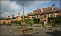 The Square, Dunchurch (Jason 87030) Tags: dunchurch village houses warks warwickshire spetember 2017 memorial thurlaston rugby district war historic sky clouds weather sony ilce alpha a6000 nex lens cottages nice scene view brick