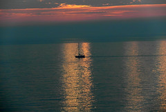 Sunrise Early morning walk (ray 96 blade) Tags: sunrise daybreak dawn earlymorningwalk beach jossbay stonebay northforelandlighthouse skies