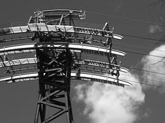 High Cable (failing_angel) Tags: 020417 usa newyork manhattan rooseveltisland queensborobridge 59thstreetbridge edkochqueensborobridge gustavlindenthal henryhornbostel rooseveltislandtramway