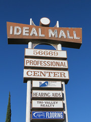 Ideal Mall of Yucca Valley (jimsawthat) Tags: desert yuccavalley smalltown california retail metalsign neon vintagesign