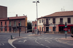 Avenida de Alcantarilla (Jerome van Passel) Tags: jeromevanpassel nonduermas iglesia centro municipal alcaldia pueblo murcia acequia huerta