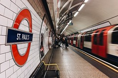 St Paul's (nickcoates74) Tags: underground tube london stpauls station iphone 6s vsco procamera cityoflondon