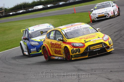Martin Depper in BTCC action at Snetterton, July 2017
