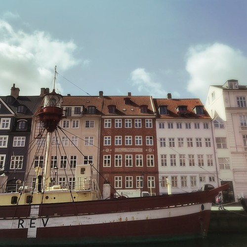 """Nyhavn • <a style=""""font-size:0.8em;"""" href=""""http://www.flickr.com/photos/7752271@N02/36308060802/"""" target=""""_blank"""">View on Flickr</a>"""