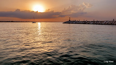 Rimini - ricordi d'estate (Luigi Alesi) Tags: 201708agosto rimini italia italy romagna riviera romagnola estate summer mare sea tramonto sunset paesaggio landscape scenery fujifilm xm1 raw