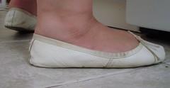 Gigi (1181) (Duke of Slippers) Tags: pantoffel ballettschuhe pantoffeln schuhe fusfetisch μπαλέτο παπούτσια πόδι balett cipő pantofole scarpette ballerina piedi gambe scarpe ballett sko kapcie baletowe baletki sapatilhasdebalé sapatilhas tattoo balet pantofi фетиш обувь балетные тапочки zapatillas bailarinas tofflor balettskor boty hakken voeten baletti tossut kengät manoletinas pieds pantoufles chaussures talons hauts ballerines cvicky schlappchen sabrinas souliers ballet slippers shoes balletslippers balletshoes gymnasticshoes gymnasticslippers nature animals legs thighs boobs cleavage feet foot fetish flats footwear toes slipperttes soft moccasins