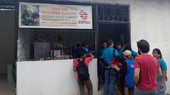 Caritas parroquial de la parroquia de la Stma. Trinidad de Guayacan, colaborando en el encuentro de jovenes de confirmacion