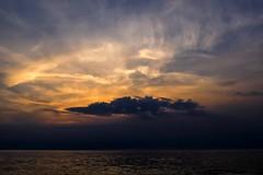 Danse avec les nuages (Isa-belle33) Tags: nature landscapes paysage sunset soleil light clouds nuages ocean fuji fujifilm fujix30 water eau beach plage