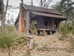 Old Home - Anderson Co. S.C. (DT's Photo Site - Anderson S.C.) Tags: olympus pendleton andersonsc old vintage abandoned homes rural southern america usa fading images bygone era share cropper wood house southernlife vanishing landscape