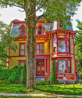 Malone New York ~ The Hale House ~ 56 Park St ~ Historic  Queen Anne  Architecture