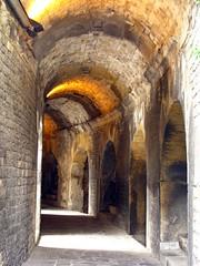 Arènes de Nîmes : galerie intérieur (Scratina) Tags: gard nîmes architectureromaine antiquité arènes