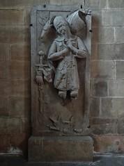 ca. 1345-1350 - 'knight, probably Werner Falk(e) (Falcke) von Munsweiler (+after 1333)', Église Notre-Dame de l'Assomption, Rouffach, dép. Haut-Rhin, France (RO EL (Roel Renmans)) Tags: 1330 1340 1345 1350 knight ritter ridder chevalier caballero cavaliere werner falk falke falcke rouffach elzas alsace elzass church église kirche kerk iglesia armor armure armour harnas harnisch rüstung armadura armatura bascinet bacinet camail aventail coatofplates plattenrock hauberk kettenhemd cotte de mailles vervelles heaume great helm helmet topfhelm gran yelmo poleyn surcotte surcoat wappenrock waffenkleid waffenrock mamelieres chain ketten sword dagger notre dame l assomption tomb effigy tombeau grabmal efigie grafbeeld sepulcro 1333